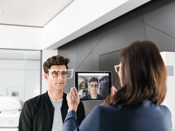 ZEISS Vision Care's contactless consultations